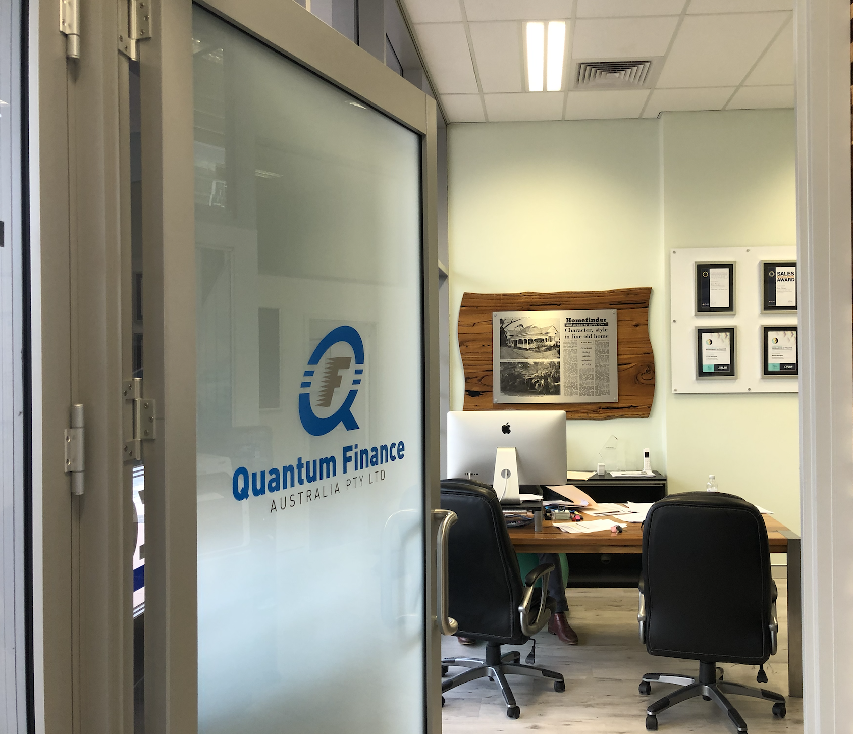 The entrance to the Quantum Finance Australia mortgage broking office.